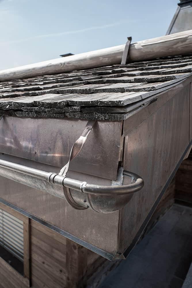 Gouttière cuivre, détail Chalet d'Architecte Courchevel, Le Grand Bornand, La Clusaz - Maison d'architecte, villa contemporaine - Archidomo - Annecy Lyon Paris