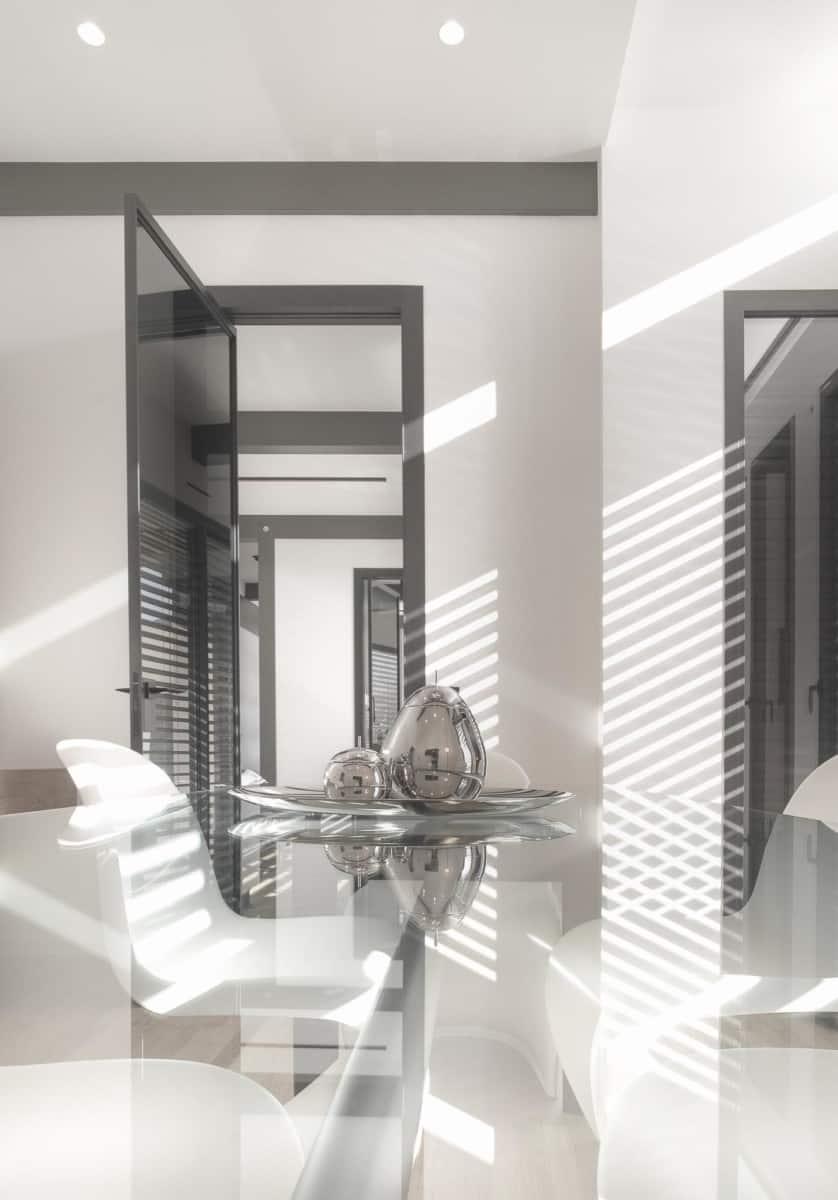 Table Le Corbusier - Maison d'architecte, villa contemporaine - Archidomo - architecture Annecy Lyon Paris