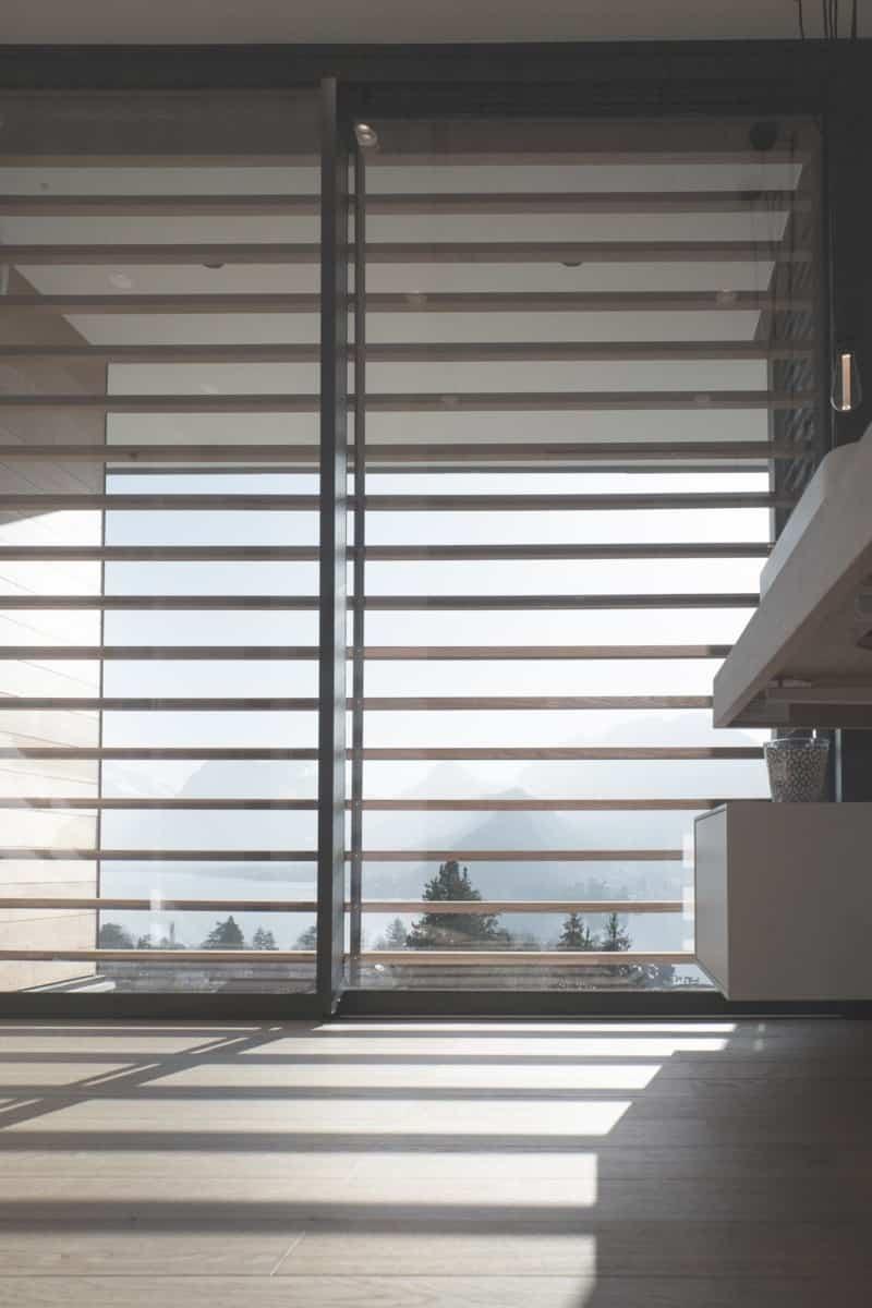 Salle de Bains vue Lac d'Annecy - Maison d'architecte, villa contemporaine - Archidomo - architecture Annecy Lyon Paris