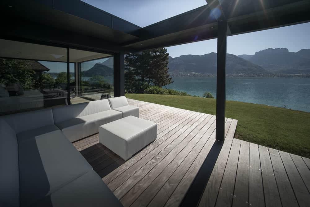 Terrasse vue lac d'Annecy - Maison d'architecte, villa contemporaine - Archidomo