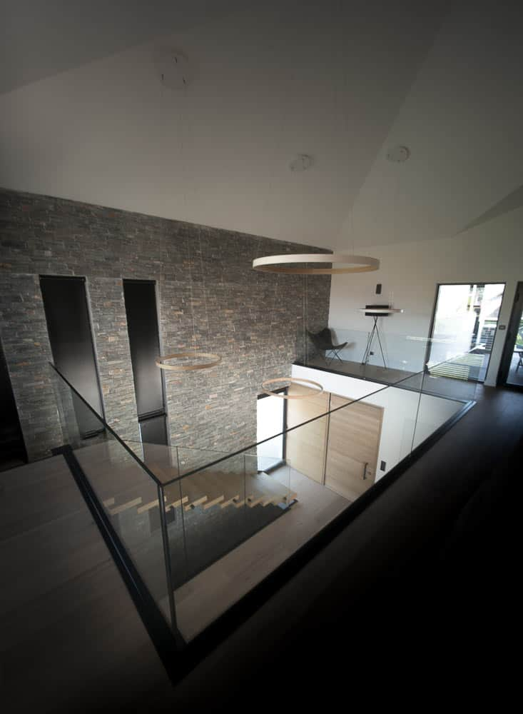 Entrée Maison Design Toit Architectural, Lac d'Annecy - Maison d'architecte, villa contemporaine - Archidomo