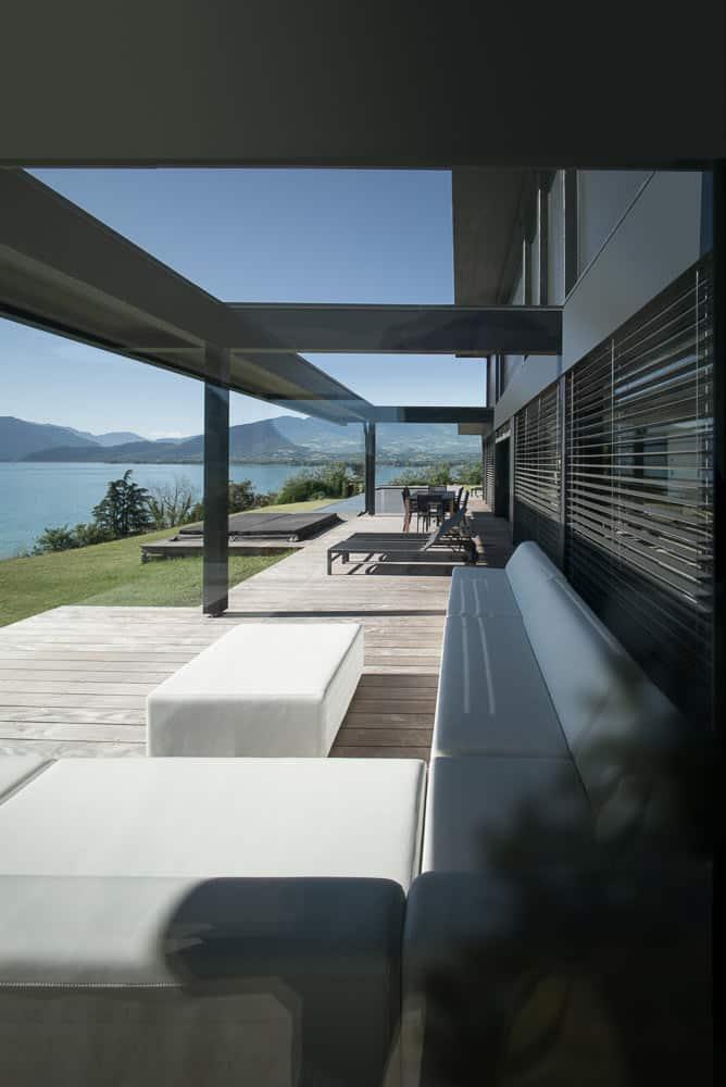 Terrasse vue Lac d'Annecy Toit Architectural, Lac d'Annecy - Maison d'architecte, villa contemporaine - Archidomo