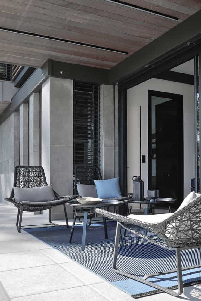 Terrase sur lac, Mobilier Kettal. Archidomo, Cabinet d'Architecte & Architecte d'intérieur à Annecy, Talloires, Megève, Courchevel